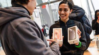 iPhone XRに搭載の『触覚タッチ』ってなんだろうか?